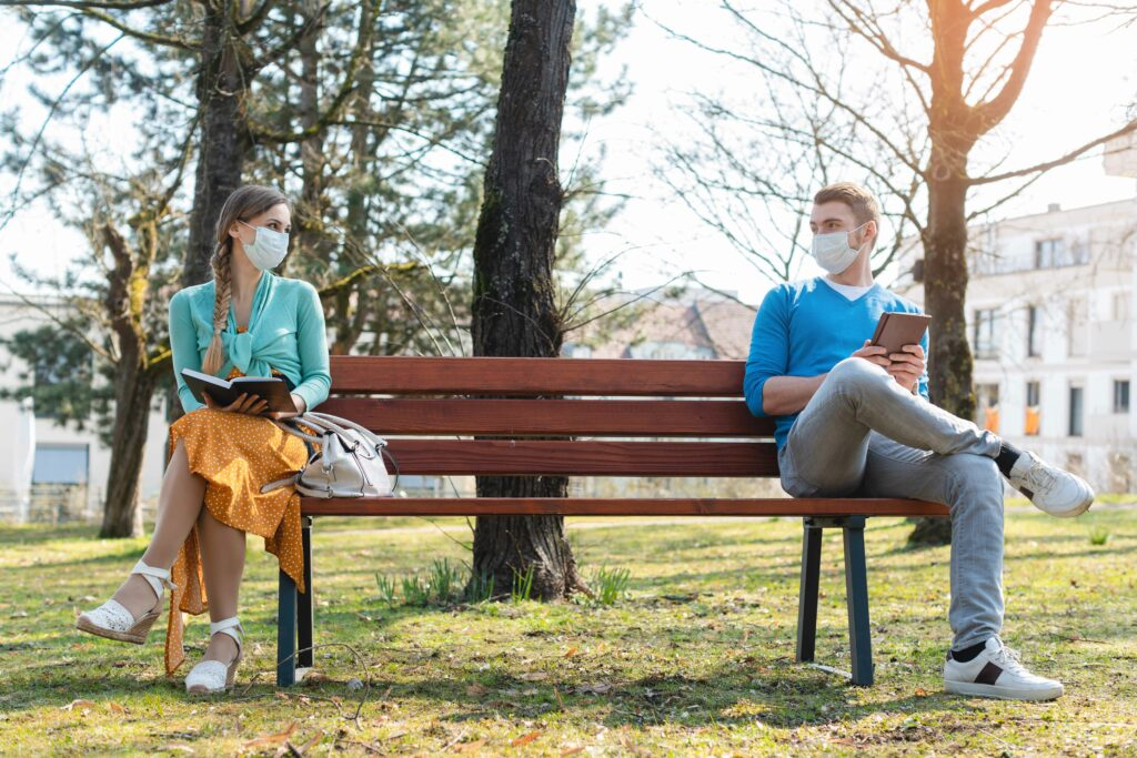 social_distancing_on_park_bench