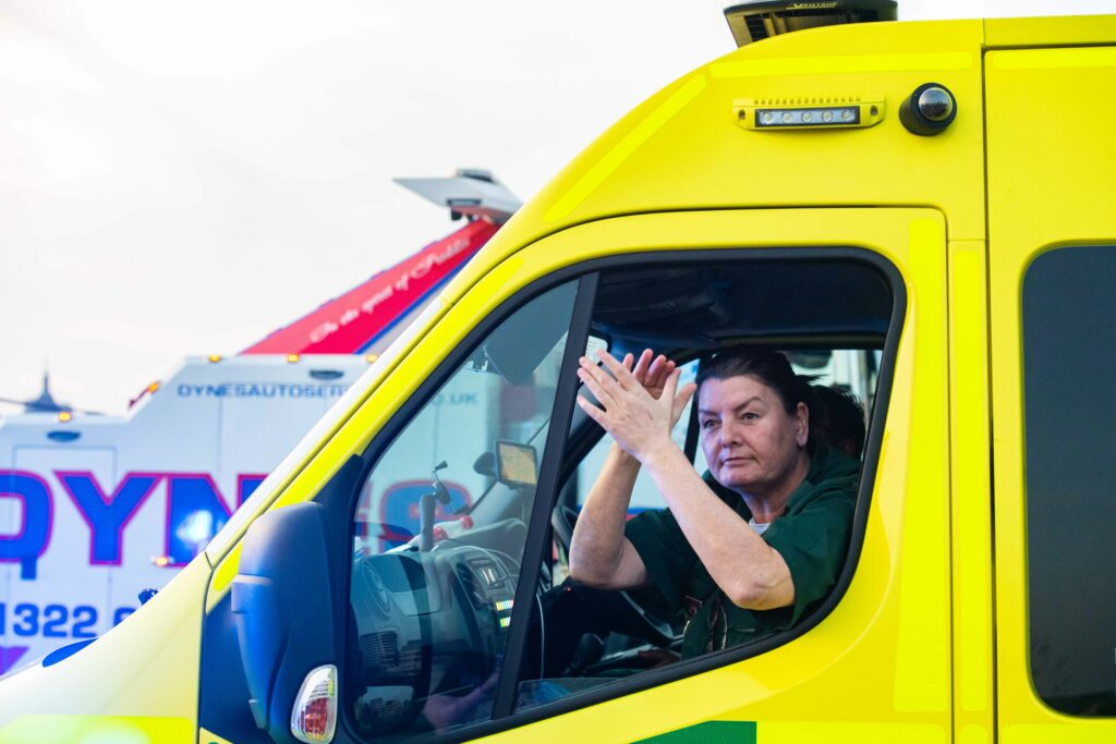 ambulance_clapping