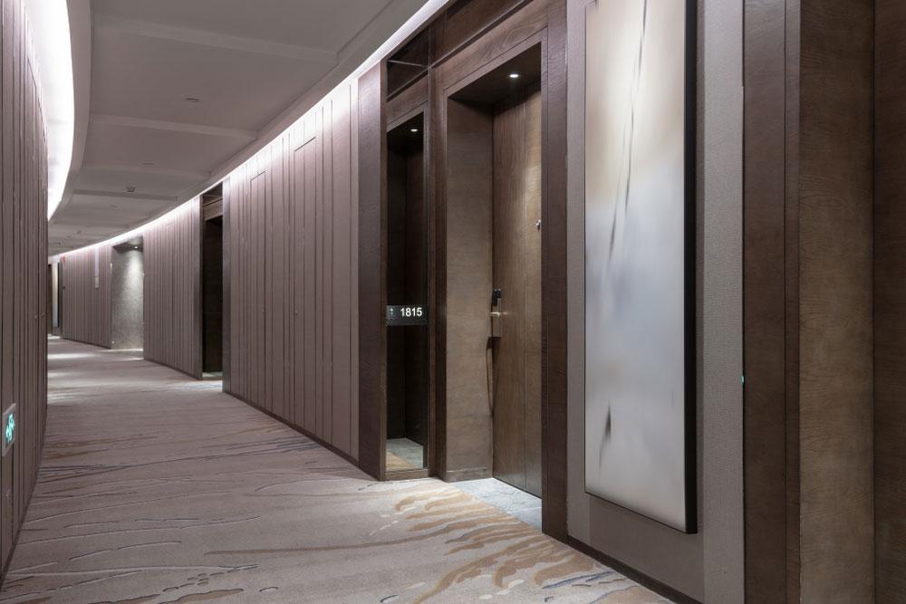 luxury_hotel_corridor